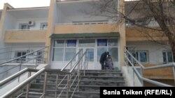 Вид на здание Дома престарелых в Актау.