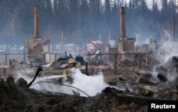 Последствия пожара в поселке Стрелка