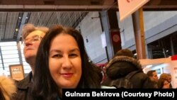 Gülnara Bekirova fransız tilinde çıqqan kitabınen beraber