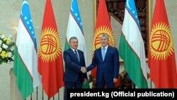 Шавкат Мирзиёев менен Алмазбек Атамбаев.
