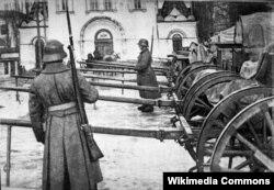 Нямецкія жаўнеры ў Менску, на саборнай плошчы, Першая сусьветная вайна