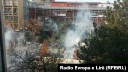 Солзавец на протестите во Косово