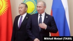 Встреча Нурсултана Назарбаева и Владимира Путина (архивное фото)