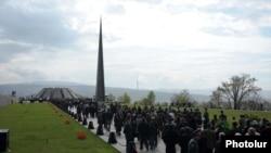 Հայոց ցեղասպանության Ծիծեռնակաբերդի հուշահամալիրը ապրիլի 24-ին, արխիվ
