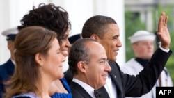 Президенты США и Мексики - Барак Обама и Фелипе Кальдерон вместе с женами