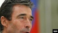 НАТОнун баш катчысы Андерс Фог Расмуссен орустардын сунушуна жооп берди,бирок өз сунуштарына Москвадан ачык жооп алалбады.