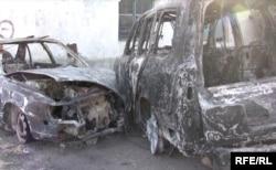 Останки убитых найдены в одной из сожженных машин