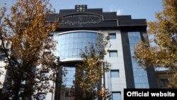 Здание частной компании, принадлежащей Амиру Мансуру Хосрави, Иран, 2011