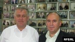Заступник міністра аграрної політики України Сергій Мельник та фермер Петро Ґадз (зліва)