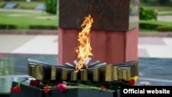 "La Complexul Memorial ""Eternitate"""