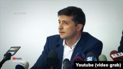 Тоді Володимир Зеленський порадив усім митникам, які не хочуть працювати разом, звільнятися