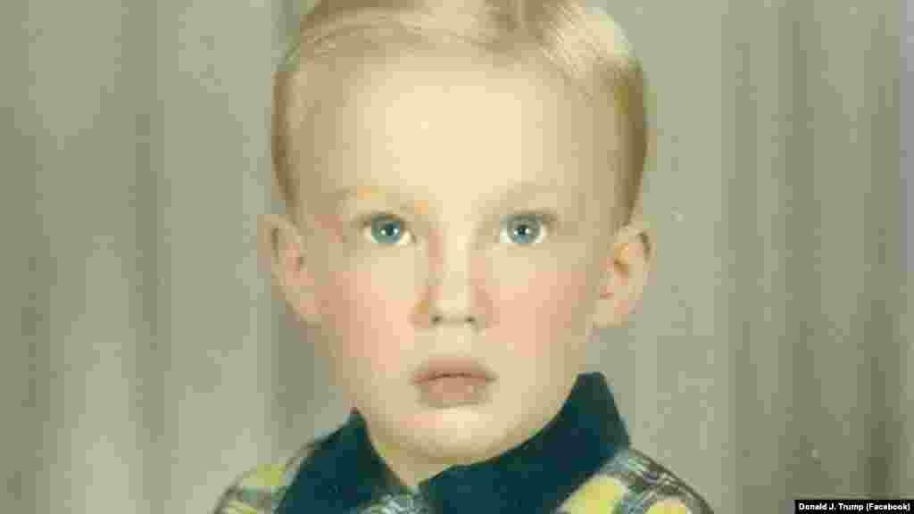 Он родился в обеспеченной семье в Нью-Йорке в 1946 году.