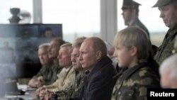 Уладзімір Пуцін на вучэньнях «Захад-2013» у Беларусі