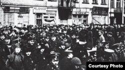 Дэманстрацыя ў Менску падчас лютаўскай рэвалюцыі