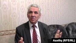 Кырым федераль университеты профессоры, филология фәннәре докторы Айдер Меметов