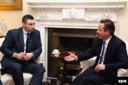 Встреча Виталия Кличко (слева) и Дэвида Кэмерона