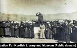 قاضی محمد در زمان اعلام تأسیس جمهوری مهاباد