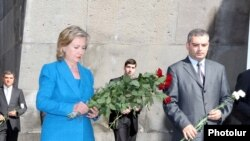 Armenia -- U.S. Secretary of State Hillary Clinton visits the Armenian genocide memorial in Yerevan, 5July 2010.