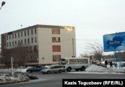 Здание офиса партии «Нур Отан». Жанаозен, 16 февраля 2012 года.