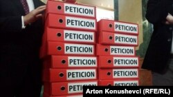 Materiali i peticionit