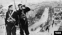 Qızıl ordu Keriçni azat ete, arhivdеn alınğan foto, 1944 senesi