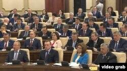 Қазақстан парламентінің қос палатасы конституциялық реформалар заң жобасын қарап отыр. Астана, 6 наурыз 2017 жыл.
