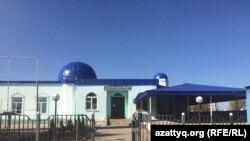 Мечеть в селе Шубаркудык. Актюбинская область, 14 октября 2017 года.