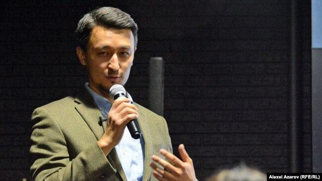 Руководитель онлайн-проекта Ekonomist.kz экономист Касымхан Каппаров. Алматы, 20 декабря 2018 года.