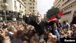 Демонстрация перед зданием министерства внутренних дел Египта
