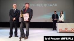 Историк Сергей Щербаков получает награду