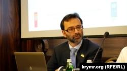 Halq deputatı Georgiy Logvinskiy