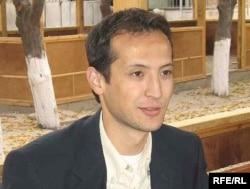 Узбекский журналист, гражданин Кыргызстана Алишер Саипов, убитый в городе Ош в октябре 2007 года.