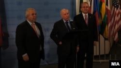 Средба на посредникот за спорот за името Метју Нимиц со претставниците на Македонија, амбасадорот Зоран Јолевски, и на Грција, Адамантиос Василакис во Њујорк на 30 јануари 2013 година.