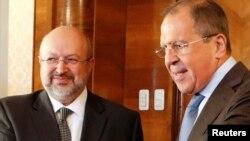 Ministri i Jashtëm i Rusisë, Sergei Lavrov (djathtas), gjatë një takimi të mëhershëm me Lamberto Zannierin, sekretarin e Përgjithshëm të Organizatës për Siguri dhe Bashkëpunim në Evropë
