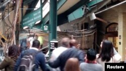Нью-Джерси штатындағы станцияда болған пойыз апатынан кейінгі көрініс. АҚШ, 29 қыркүйек 2016 жыл.