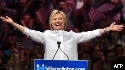 Претендент в кандидаты на пост президента США Хиллари Клинтон.