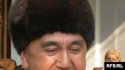 Янги йилда ҳаммангизга кулгу ҳамроҳ бўлсин¸дейди қизиқчи Ғайрат Ҳамроқулов.