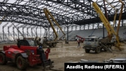 The Crystal Hall under construction, with Azenco equipment taking part