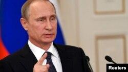Arxiv fotosu: Rusiya prezidenti Vladimir Putin