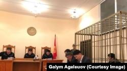 Муратбек Тунгышбаевдин бөгөт чарасын караган сот отуруму. Бишкек, 28-май, 2018-жыл