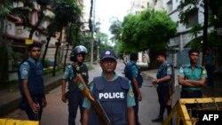 Pamje e pjesëtarëve të policisë së Bangladeshit