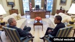 U.S. President George W. Bush (left) met with President-elect Barack Obama in the Oval Office on November 10.