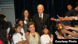 Hiljmnijeta Apuk sa predsednikom Kosova Fatimirom Sejdiuom
