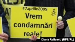 La un protest al Amnesty International - Moldova