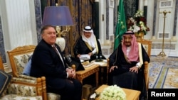 Saudi Arabia's King Salman bin Abdulaziz Al Saud meets with U.S. Secretary of State Mike Pompeo in Riyadh, Saudi Arabia, October 16, 2018. REUTERS/Leah Millis/Pool
