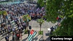 Главным, краеугольным камнем всегда было и остается отчаянное стремление абхазского народа сохранить численное большинство в своей стране и национальную идентичность