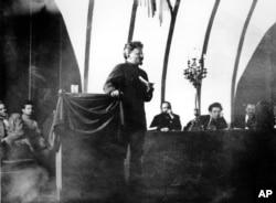 Лев Троцький під час одного з виступів, Москва, 1921 рік