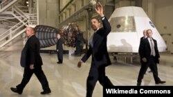 Prezident Barak Obama Kennedi Kosmik Tədqiqatlar Mərkəzində. Aprel, 2010.