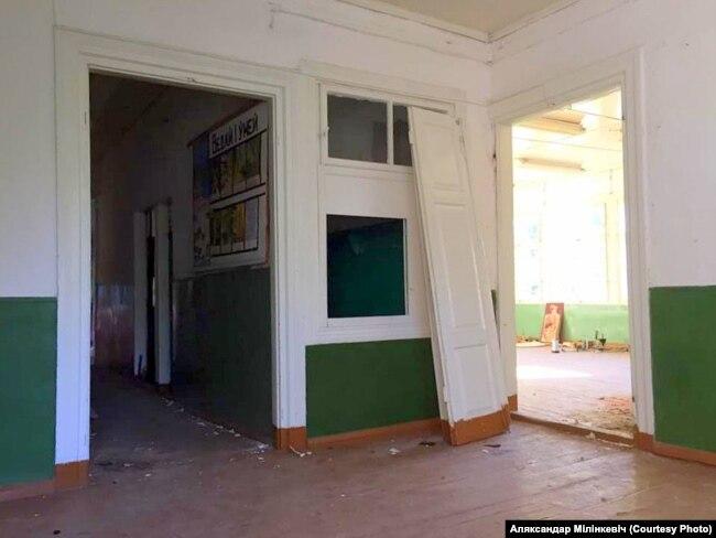 Унутры будынка былой Берштаўскай школы