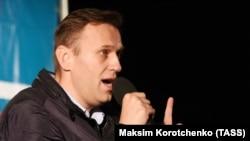 Алексей Навальныйдің Астраханьда сөйлеп тұрған кезі. 22 қазан, 2017 жыл.